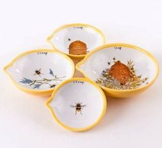 Yellow Bee Kitchen Nested Measuring Cups