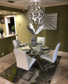 Apartment Goals, Apartment Living, Apartment Ideas, Dining Room Design, Dining Room Table, First Apartment Essentials, Mtv Cribs, Nail Room, First Apartment Decorating
