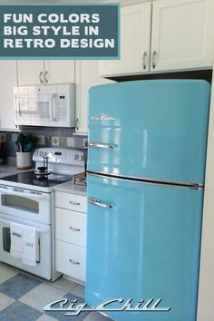We love this beach blue Big Chill kitchen. What color would your dream Big Chill kitchen be?