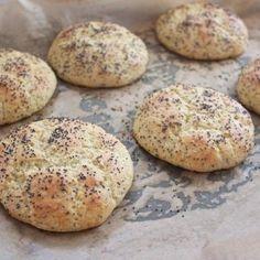 rundstykker2 Lchf, Low Carb Bread, Low Fodmap, Bagel, Hamburger, Muffin, Cookies, Baking, Breakfast