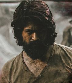 Yash (Kannada Actor) - Yash Ucominh movie is KGF which is produced by Farah Akhtar. Yash first debut movie is Jambada Hudugi Actor Picture, Actor Photo, Hero Movie, I Movie, Allu Arjun Images, Kiss And Romance, Kannada Movies, Hero Wallpaper, Actors Images