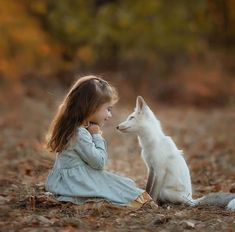 Top 20 Girls with Pet Fox Wallpapers Animals For Kids, Cute Baby Animals, Animals And Pets, Funny Animals, Fantasy Photography, Children Photography, Animal Photography, Beautiful Children, Animals Beautiful