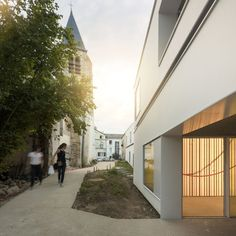 Marchi Architectes, Fernando Guerra / FG+SG · Museum Extension with Elderly and Polyvalent Hall in Biévres · Divisare