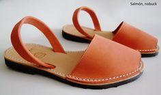 617883ce38d Las 54 mejores imágenes de Avarcas menorquínas / Menorcan sandals ...