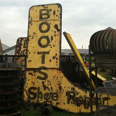 10' high Boot Sign ...... In Bar W Antique Show ,Warrenton,Tx March 2012
