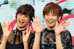 本田翼と山本美月が主演映画少女の完成報告会見に出席 偶然にもおそろいコーデで登場しました 二人はとっても仲良しみたいですよ 本田つばさちゃんは相変わらず可愛いな