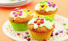 Diese bunten Blumen-Muffins bringen gute Laune auf den Kaffeetisch. Und das etwas dunklere Mehl enthält dazu viele gesunde Nährstoffe.     Zutaten (für 12 Muffins) Teig  150 …