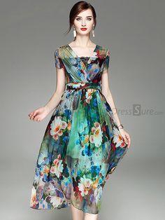 Shop Street Multicolor Print Waist V-neck Skater Dress at EZPOPSY. Dressy Dresses, Cheap Dresses, Elegant Dresses, Cute Dresses, Summer Dresses, Simple Dresses, Pretty Outfits, Beautiful Outfits, Women's Fashion Dresses