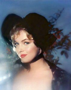 Marilyn photographer byJack Cardiff, 1956.