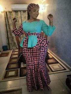Hello Divas, check out Super Stylish Ankara Skirt and Blouse Styles for Beautiful Ladies.here are the trendious collection of ankara skirt and blouse styles for the plus size ladies and ladies with co African Wear Dresses, African Inspired Fashion, Latest African Fashion Dresses, African Print Fashion, African Attire, African Prints, Ankara Rock, Chitenge Outfits, Ankara Skirt And Blouse