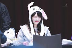 Gfriend Time For The Moon Night Fansign Cr: owner Heizesh Kpop Girl Groups, Kpop Girls, Cloud Dancer, Epic Story, Entertainment, G Friend, Stage Name, Bias Wrecker, Positivity