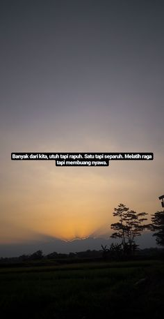 Quotes Rindu, Story Quotes, Tumblr Quotes, Text Quotes, Mood Quotes, Life Quotes, Humor Videos, Quotes Lockscreen, Cinta Quotes