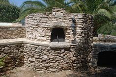 Bread oven in southern Corsica - fully functional this time!