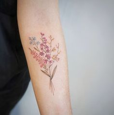 Fun, creative, rebellious, many people love getting tattoos and use them as a platform for self-expression. Tattoos can be satisfying both physically while looking at them and mentally when you con… Feminine Tattoos, Unique Tattoos, Beautiful Tattoos, Small Tattoos, Colorful Flower Tattoo, Flower Tattoo Designs, Watercolor Flower Tattoos, Diy Tattoo, Get A Tattoo
