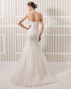 8S122 LAURA | Wedding Dresses | 2015 Collection | Luna novias (back)