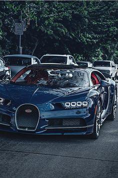 Bugatti Chiron (via)