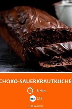 Super saftig und super schokoladig dank Sauerkraut! Man schmeckt es wirklich nicht raus aber der Kuchen bekommt eine unglaublich fantastische Konsistenz!
