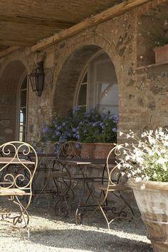Terrasse au soleil en Provence