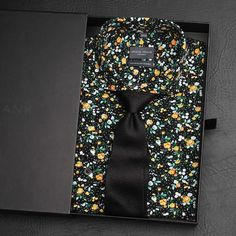 Unboxing an Autumn favourite - the Verona cutaway shirt and Black silk woven tie combo.  www.Grandfrank.com