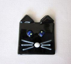 Black cat blue eyes magnet www.ebay.com/usr/MattsGlassact