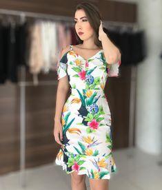 Perfeito esse vestido!! Nos tamanhos P M G nas cores preta, branca e azul marinho!