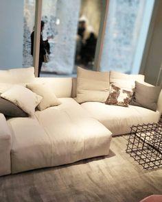 Pixel Mood #goodnight #relax @sabaitalia  #instahome #instagram #instalike #instalove #homedecor #homestyle #homedetails... Relax, Couch, Mood, Night, Furniture, Instagram, Home Decor, Settee, Sofa