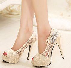 731165eec Mulheres bombas 2015 strass sapatos de casamento Sexy Lace Peep Toe  plataforma de salto alto sapatos de noiva Zapatos Mujer feminino