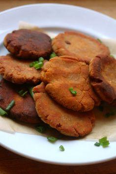 Sweet potato Pita bread via http://beyondthebite4life.blogspot.com/2014/12/paleo-sweet-potato-pita-bread-aip.html #aip #paleo #Primal