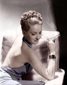 Bette Davis. She can be beautiful & then she can be down right ugly, Lenett
