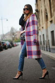 Plaid Coat With jeans And Blue Sweater #streetstylebijoux, #streetsyle, #bijoux