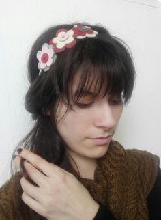 Bandeaux cheveux, Headband rétro fleur de cuir ivoire rose est une création orginale de creationsdemarie sur DaWanda