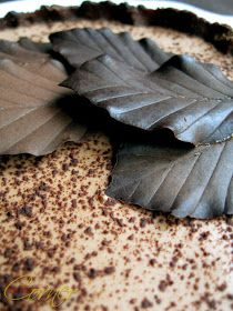 Almond Corner: Chocolate leaves