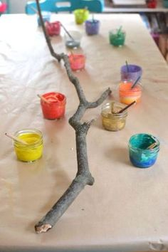 Very Reggio Emilia Art For Kids, Crafts For Kids, Kids Nature Crafts, Kids Art Area, Painting Ideas For Kids, Fall Art For Toddlers, Autumn Art Ideas For Kids, Painted Branches, Tree Study