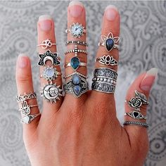 So in love with all of these rings from @boho_dreamers ❤️ I want them all!