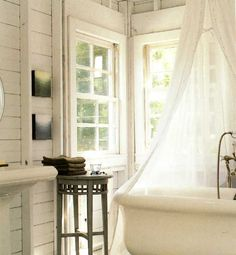 Claw foot bathtub for my dream Provencal country house bathroom :)