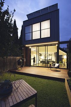 Completed in 2016 in Fitzroy North, Australia. Images by Natalie Jeffcott      . Perched - like a sparrow. Perched House is a light extension at the rear of an inner city semi-detached Edwardian house that sweeps over your head. ...