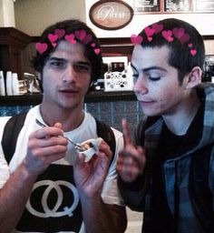 Tyler Posey and Dylan O'Brien Teen Wolf Memes, Teen Wolf Funny, Teen Wolf Boys, Teen Wolf Dylan, Teen Wolf Cast, Scott Mccall, Stiles, Tyler Posey Teen Wolf, Disney Princess Memes