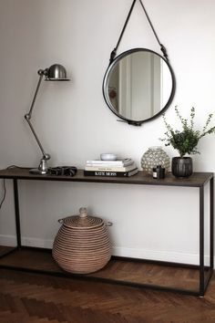 Round Mirrors side table
