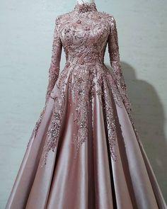 Muslim Prom Dress, Muslimah Wedding Dress, Cute Prom Dresses, Nice Dresses, Model Baju Hijab, Indian Fashion Dresses, Queen Dress, Lehenga Designs, Bridal Outfits