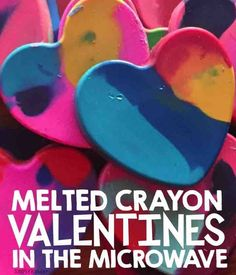 Microwave Melted Crayon Valentines - Simply Kinder Microwave Melted Crayon Heart Valentines<br> Make these melted crayon valentines hearts in the microwave and attach them to this free printable! Valentines Art For Kids, Valentines Day Activities, Valentine Day Crafts, Valentines Hearts, Valentine Party, Holiday Activities, Valentine Ideas, Preschool Activities, Making Crayons
