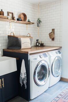 35 Best Modern Farmhouse Laundry Room Design Ideas Reveal Efficiency Space - Home Decor Ideas Modern Laundry Rooms, Farmhouse Laundry Room, Laundry Room Storage, Laundry Room Design, Garage Laundry, Bathroom Laundry, Downstairs Bathroom, Ohio, Laundry Room Inspiration