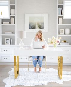 peridotdecorativehomewear on MONDAY INSPIRATION. Doesnt this office just make you want to work work work We have a little office envy but mainly we are inspired by Cozy Home Office, Home Office Design, Home Office Decor, Office Ideas, Home Decor, Feminine Office Decor, Executive Office Decor, Home Office Shelves, Ikea Office