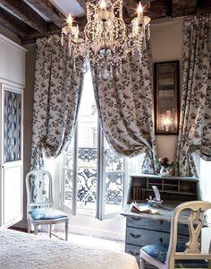 Hotel Caron de Beaumarchais Paris | Cool Chic Style Fashion