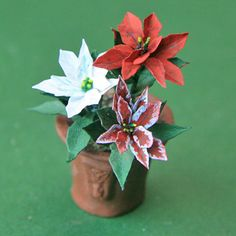 Miniature paper flower poinsettia make miniature plants and flowers for dolls house and model scenes mightylinksfo
