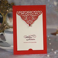 Convite do casamento com Floral Cut-out (conjunto de 50) - BRL R$ 192,58