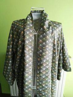 Mira este artículo en mi tienda de Etsy: https://www.etsy.com/listing/485034811/100-silk-japanese-kimono-with-scales