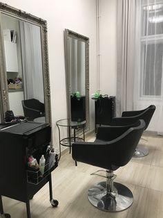 Manikérské a kosmetické studio Egg Chair, Oversized Mirror, Studios, Lounge, Furniture, Design, Home Decor, Airport Lounge, Drawing Rooms