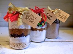 Mason Jar Cookie Recipes: A lovely recipe of cookie. Perfect as gift for weddings and occasions. - Delicious, Sweet, Attractive.