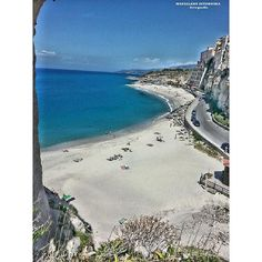 #calabria #tropea #italy #beach #sea #ocean #seaside #sand #sunshine #wave #bluesky #cool #bestoftheday #relaxing #loveit #great #tides #gold #seashore #sunset #sunrise #instalove #hot #lovers #sunshine #vacation #surf