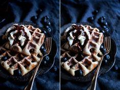 Už před delší dobou jsem zveřejnila recept na tradiční belgické vafle z Bruselu,které jsou jednoduše úžasné a opravdu klasické, připravované jsou totiž z kynutého těsta. Další recept na úžasné vafle zkynutého těsta, který mám pro Vás připravený také delší dobu, je recept na belgické vafle zLiege. Tyto vafle jsou Kitchenette, Pancakes, Bakery, Food And Drink, Sweets, Brunch, Cooking, Breakfast, Recipes